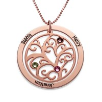 Personnalisation d'une médaille arbre généalogique gravée en plaqué or rose avec pierres de naissances incrustées