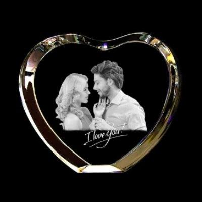 Coeur en cristal avec contour gravé au laser avec votre photo