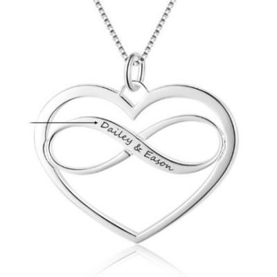 Médaillon en argent personnalisable forme infini avec coeur intérieur et sa chaine.