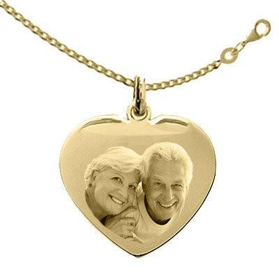 Gravure photo sur une médaille Coeur plaqué or LOVE avec sa Chaîne