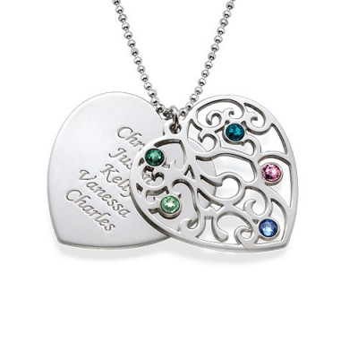 Gravure  de prénoms sur médaille cœur famille filigrane en argent avec pierres de naissance.
