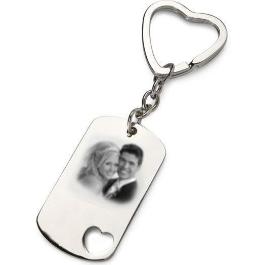 Gravure photo sur un porte cl s plaque rectangle coeur de prestige en id e cadeau personnalise - Porte capitonnee prix ...