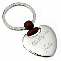 Porte clefs coeur bombé gravé.