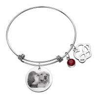 Bracelet jonc avec son pendentif rond argenté gravé avec une photo et son charms coeur infini
