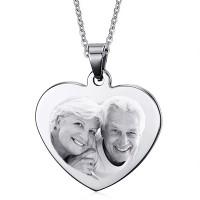 Gravure d'une photo sur un coeur argenté avec sa chaine de 50cm.
