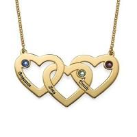 Collier trois cœurs entremêlés avec gravure prénom et pierre de naissances en plaqué or
