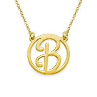 Collier initial avec pendentif ajouré personnalisé en plaqué or